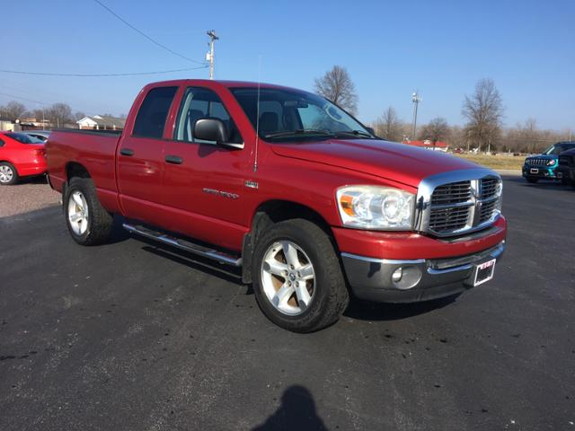 Pre-Owned 2007 Dodge Ram 1500 4WD Quad Cab 140.5 SLT